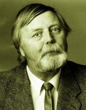 Dag Skogheim er en feiret forfatter som trolig er best kjent som den nord-norske arbeiderbevegelsens store forfatter. Han har skrevet ca 30 bøker, både romaner og faglitteratur.